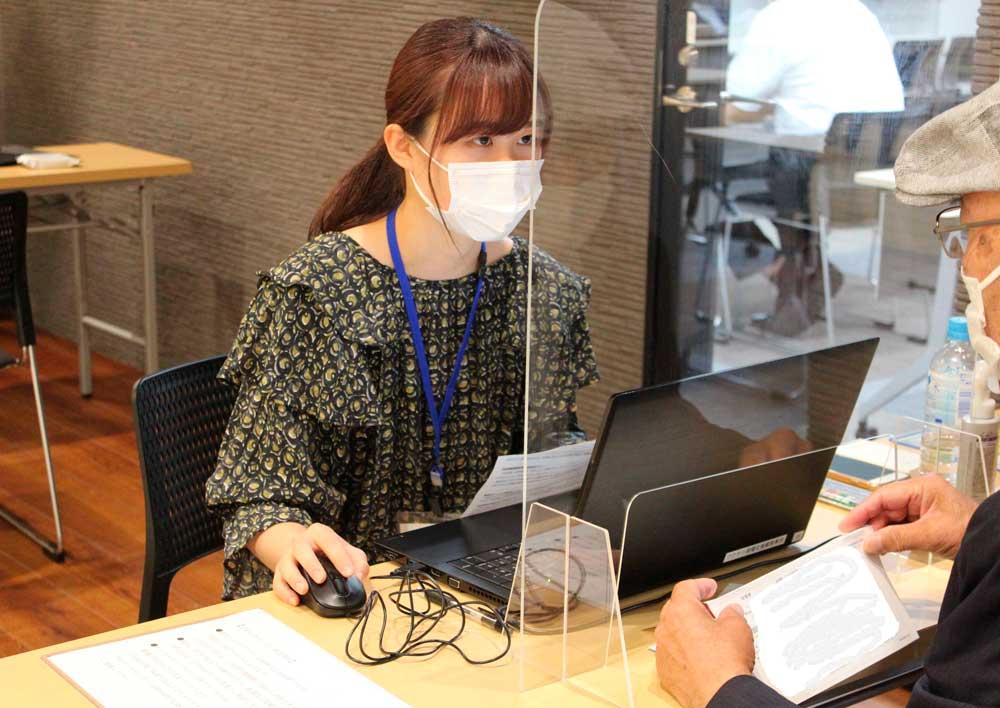 藤枝市の新型コロナウイルスワクチンのネット予約代行支援に学生が参加します!