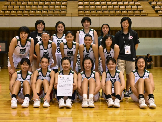 basketball_group_photo_1.jpg